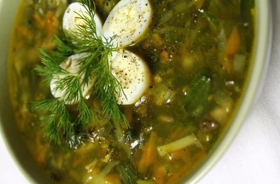 Зеленый суп с крапивой и щавелем