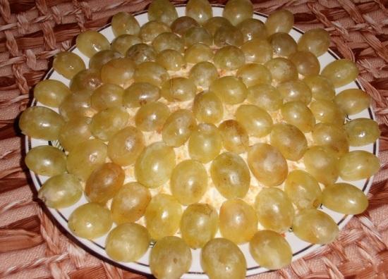 Салат «Тиффани» с виноградом: рецепт с фото
