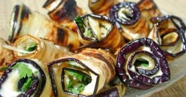Что приготовить из баклажанов в духовке, на сковороде?