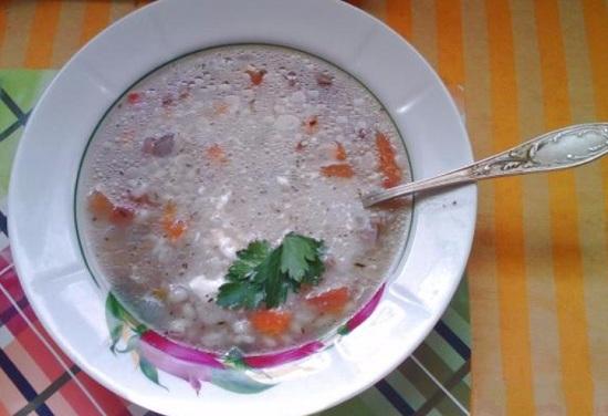 суп из куриных пупков с томатами и перловкой