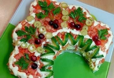 Салат «Русская красавица»: рецепты пошаговые (с курицей, грибами, ветчиной)