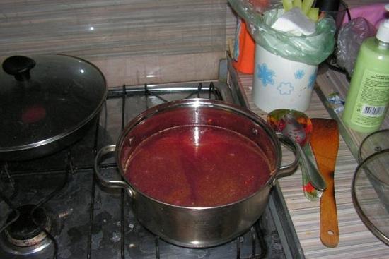 Обжариваем овощи на протяжении пяти минут