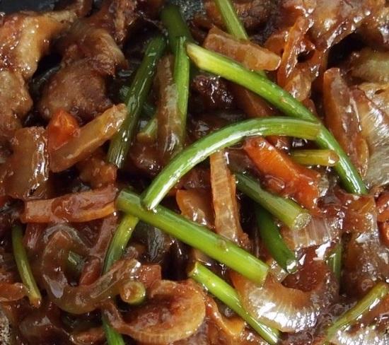 Как приготовить стрелки чеснока с мясом?