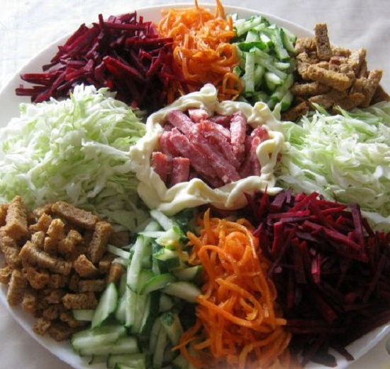 «Козел в огороде»: салат классический