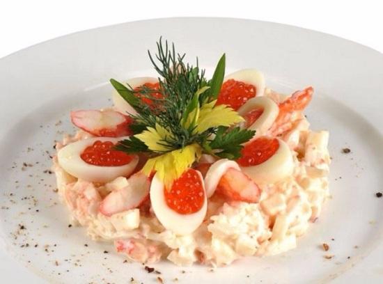 салат «Царский» с красной икрой