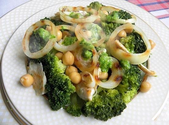 салат с консервированным нутом