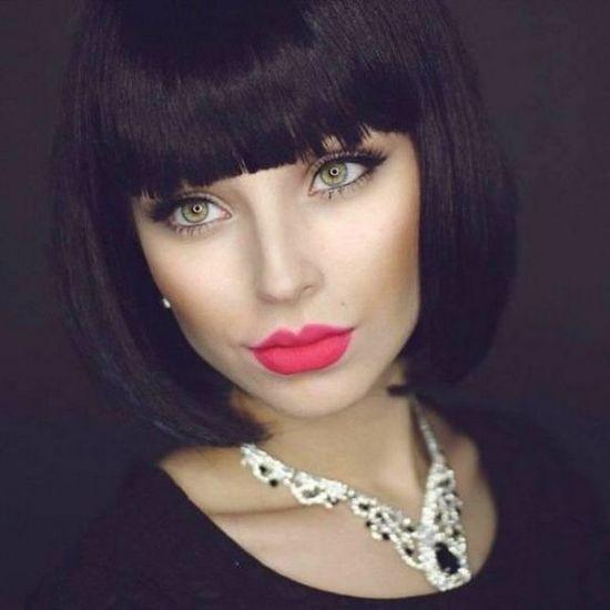 Универсальный макияж для брюнеток с зелеными глазами