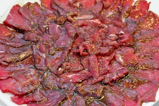 Карпаччо с копченым мясом