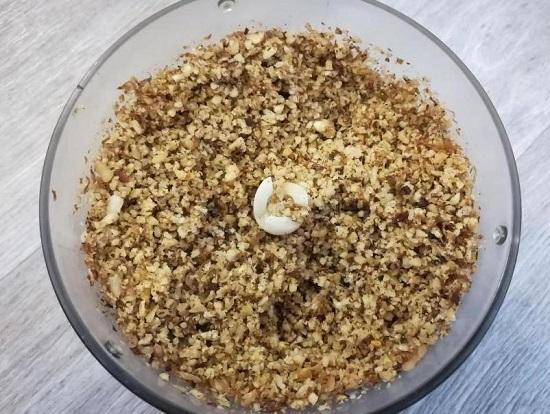 орешки измельчаем