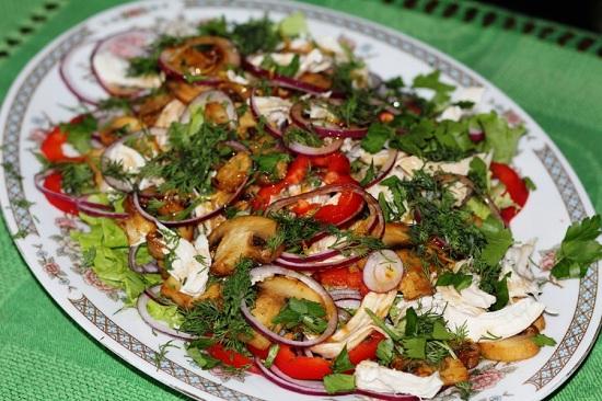 Салат с жареными шампиньонами: рецепт с фото