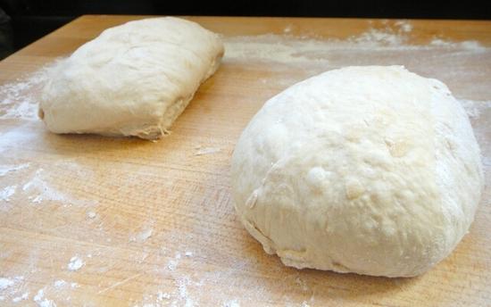 Рецепт бездрожжевого теста для пиццы на кефире