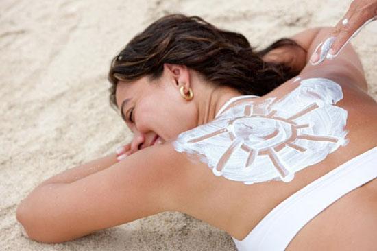 Бесплатным источником холекальциферола, или витамина Д, являются солнечные лучи.