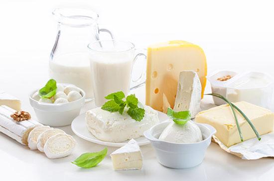 молочные продукты на 100 г массы содержат витамин в 12 в самых значительных количествах