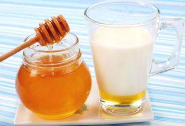 Молоко с медом: польза для организма