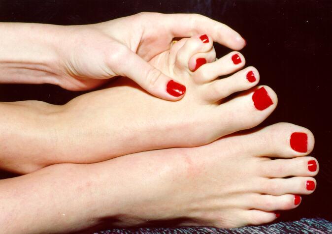Как лечить вросший ноготь на большом пальце?