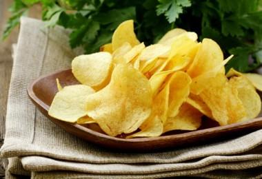 Чем вредны чипсы?