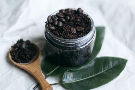 Простой скраб из кофе для лица