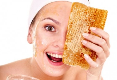 Как сделать маску из меда для лица?