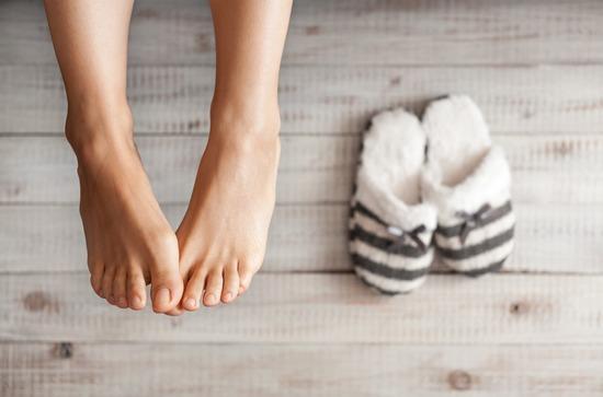 Грибок ногтей на ногах: чем лечить?