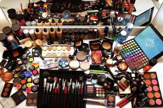Какие средства нужны для макияжа лица
