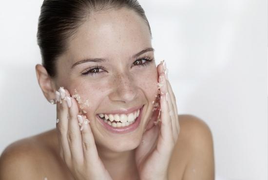Сахарный скраб для лица жирной кожи