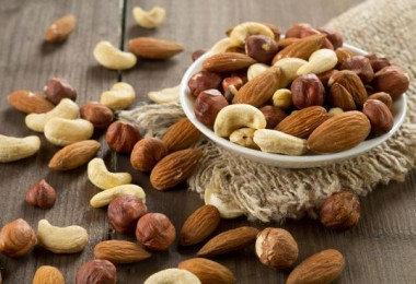 Чем вредны орехи?