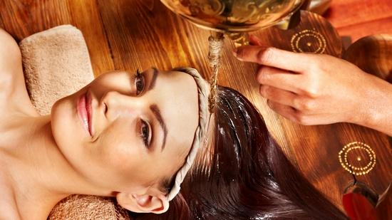 Стимулируем рост волос луково-медовой маской