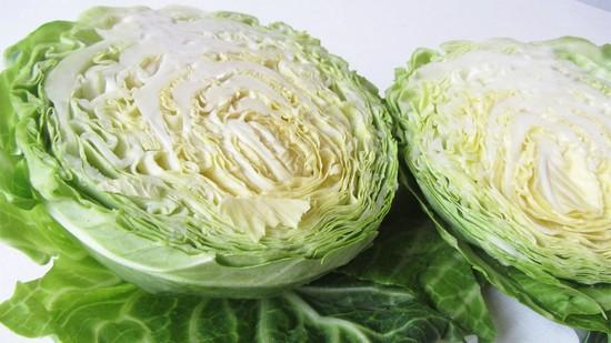 Почему вредна свежая капуста в больших количествах?