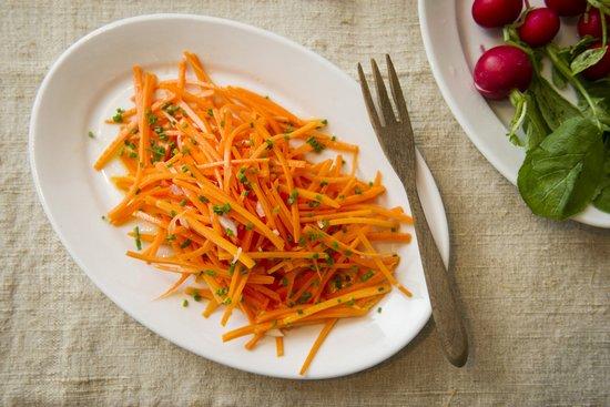 Сколько калорий в морковном салате?
