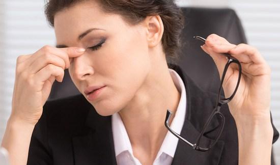 Симптомы сухого глаза, причины заболевания и методы лечения