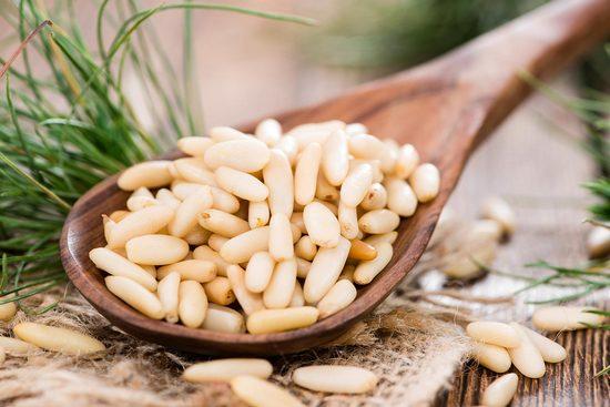 Кедровые орехи: калорийность на 100 грамм