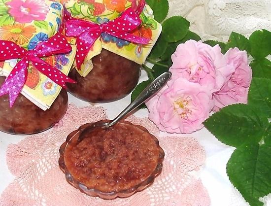 варенье из лепестков роз с добавлением сока лайма