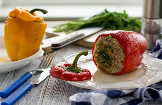 Перец, фаршированный овощами и рисом: рецепты приготовления с фото