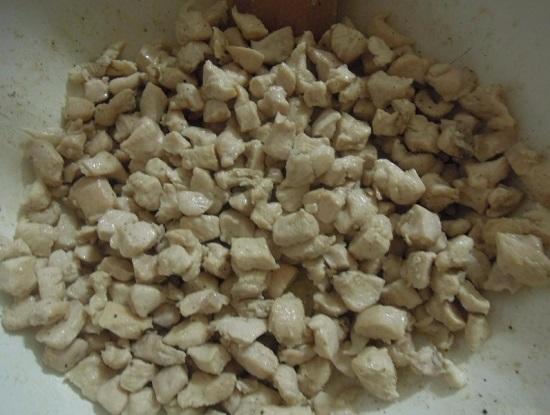 По вкусу добавляем соль и смесь перцев