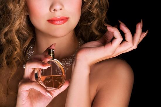 на какие места наносить парфюмы