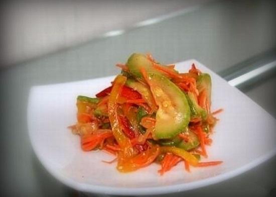 корейский салат из свежих кабачков