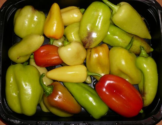 Перцы болгарские очистим от плодоножки
