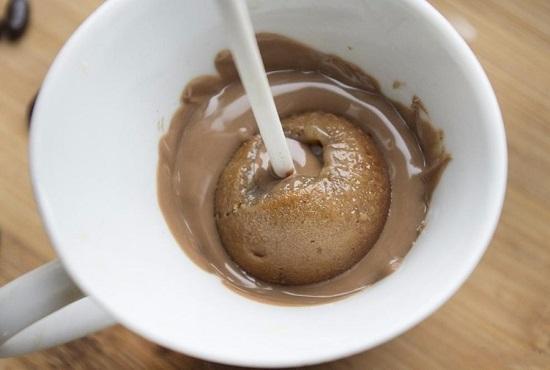 обмакиваем все пирожное в шоколадной глазури
