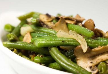 салаты с фасолью и грибами