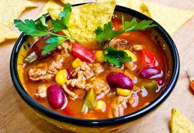 Мексиканский острый суп с фасолью