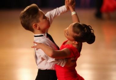 Прически для бальных танцев для девочек