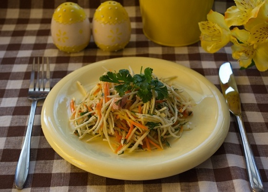 вкусный салат с зеленой редькой