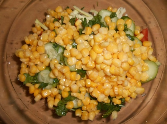 десертную кукурузу в салат