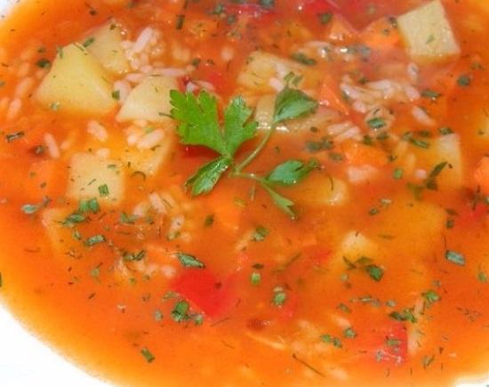 томатный вегетарианский супчик с рисовой крупой