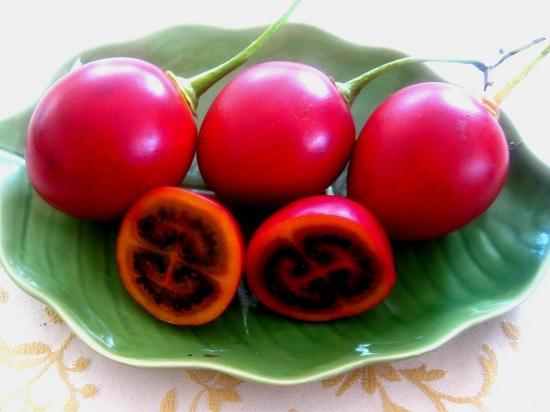 Тамарилло красного сорта употребляют в сыром виде