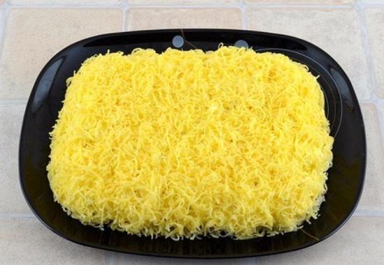 Последним в кулинарную игру вступает сыр