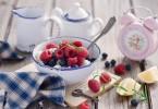 Сколько калорий в твороге со сметаной и сахаром?