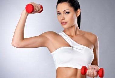 Упражнения для накачки грудных мышц мужчинам и девушкам