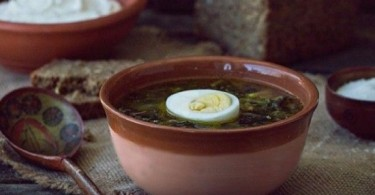 Суп из крапивы с яйцом (с картофелем, щавелем)