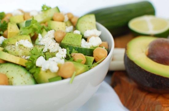 Как приготовить салат из авокадо